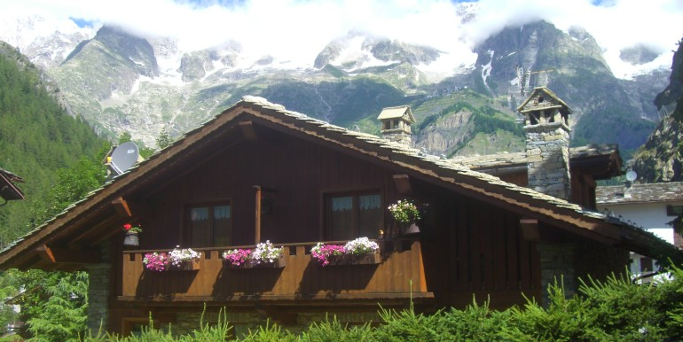 Villa La Saxe esterne e vista (1)