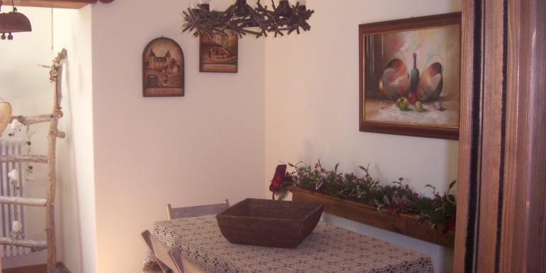 villa la saxe ambienti e camere piano sottostante (18)
