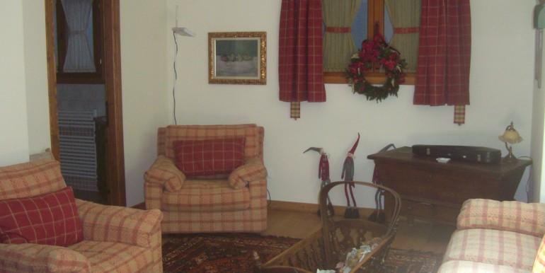 villa la saxe ambienti e camere piano sottostante (22)