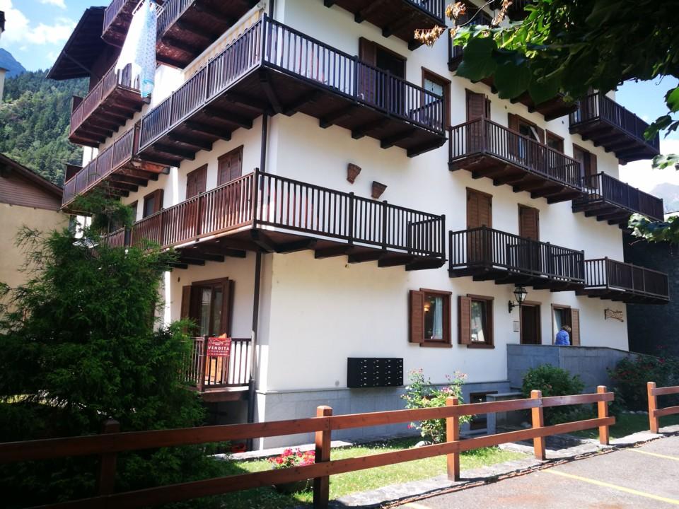 A due passi dal centro storico confortevole alloggio con balconcino