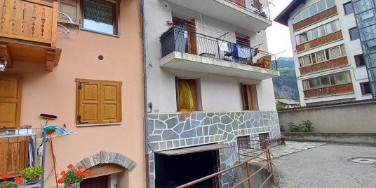 A due passi dal centro storico confortevole e luminoso trilocale con balcone